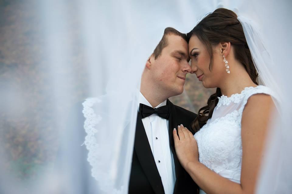 kolczyki ślubne - modelka
