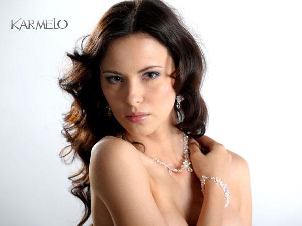 biżuteria ślubna- modelka