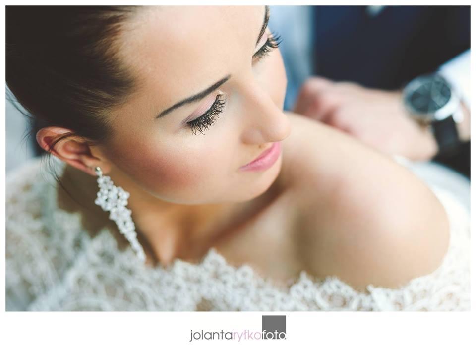 kolczyki do ślubu - modelka